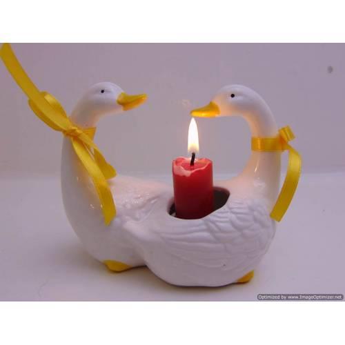 Keramikas svečturis Gulbji