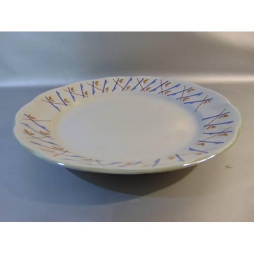 Porcelāna šķīvis servēšanai